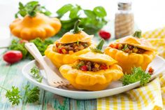 Any smaller squash will work here, but carnival and acorn squash are both great choices. The meat and vegetables complement the sweet squash perfectly. Cooking Tips, Cooking Recipes, Healthy Recipes, Healthy Foods, Warm Food, Fruit And Veg, Food Dishes, Side Dishes, Winter Food