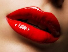 Do you love to have bigger lips? If yes, then go through these tips of how to make lips bigger. Make your lips look bigger with these super easy beauty & makeup hacks. Lipstick Colors, Red Lipsticks, Make Lips Bigger, Uses For Vicks, Vicks Vaporub Uses, Good Kisser, Thin Lips, Red Lip Makeup, Bright Makeup
