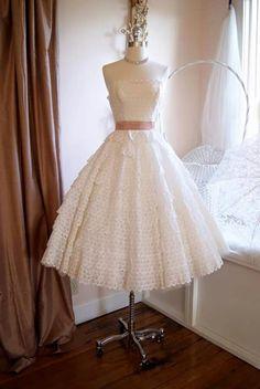 9aa00901b52c Vintage Wedding Dress    Dress    Vintage Strapless White Cotton Eyelet  Lace Wedding Dress by Cotillion Original Size XS.