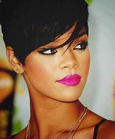 That lipstick color!! SN: I <3 this style :)