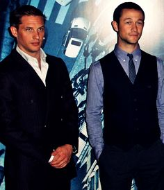 Tom Hardy and Joseph Gordon Levitt Joseph Gordon Levitt, When I See You, Youre Cute, Raining Men, Famous Men, Tom Hardy, Robert Pattinson, Attractive Men, Johnny Depp
