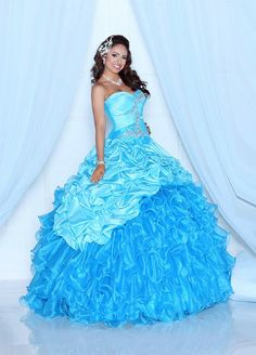 Stunning blue ball gown from Q by Davinci.