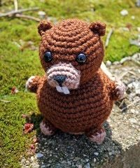 Lots of links to amigurumi patterns on this site