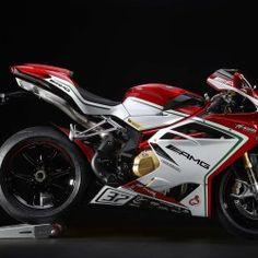 かつてワールドGPで37回もタイトルを獲得したイタリアのオートバイ・メーカー、MVアグスタは、2014年に「F4 RR」でスーパーバイク世界選手権に参戦。2年目となる2015年シーズンに向け、新たなホモロゲーション・モデルとして発売する公道走行可能な「F4 RC」を発表した。