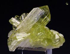 Brazilianite, NaAl3(PO4)2(OH)4,  bi-terminated crystals, on Albite, Telirio claim, Linopolis, Minas Gerais, Brazil