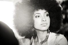 Esperanza Spalding my Hair Crush! Jazz Artists, Jazz Musicians, Esperanza Spalding, Contemporary Jazz, Vintage Black Glamour, Beauty Shots, Natural Hair Inspiration, Kinky, Beauty Women