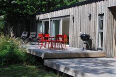 Arkitektritad stuga i Tjust skärgård (Stuga uthyres i Stora Askö, Loftahammar, Småland) Boendeyta: 65 m2 Antal rum: 3 Antal bäddar: 2 + 4 extrabäddar