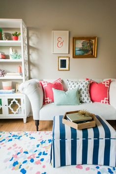 50 Best Small Living Room Designs & Decors - Home Decor & Design Small Living Room Design, Home Living Room, Apartment Living, Living Room Designs, Living Room Decor, Living Room Inspiration, Home Decor Inspiration, Design Inspiration, Estilo Interior