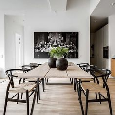 Today we are talking about the best white dining room decor for your dining room design. Dining Table Design, Dining Room Table, Dining Area, Black Dining Chairs, Black And White Dining Room, White Chairs, Dining Rooms, Black White, Esstisch Design
