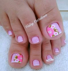 Pink and floral French pedicure. Pretty Toe Nails, Cute Toe Nails, Toe Nail Art, Fancy Nails, Trendy Nails, Diy Nails, Gel Nail, Nail Polish, French Pedicure