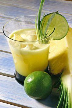 Centrifugato di ananas e lime