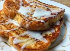 This is the best french toast recipe for homemade cinnamon french toast. This is the best french toast recipe for homemade cinnamon french toast. Homemade French Toast, Cinnamon Roll French Toast, Make French Toast, Overnight French Toast, Cinnamon Rolls, Cinnamon Toast Recipe, Pancakes Cinnamon, Breakfast Casserole With Biscuits, French Toast Casserole