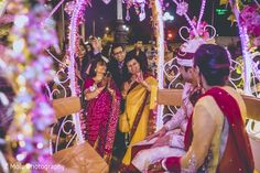 Guests saying good bye to the couple http://www.maharaniweddings.com/gallery/photo/98084