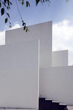 Casa AR / Lucio Muniain et al Casa AR / Lucio Muniain et al – Plataforma Arquitectura Architecture Durable, Architecture Résidentielle, Amazing Architecture, Contemporary Architecture, Installation Architecture, Layered Architecture, Architecture Posters, Agi Architects, Villa