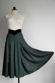 """SOLD!!! Scott McClintock Vintage 80s Hunter Green Velvet Waist 136"""" Sweep Skirt Size 6, SOLD!!!"""