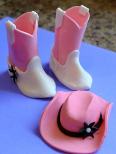 Gumpaste / Fondant Cowgirl Pink Boots and Hat Greeneville, Tn Western Birthday Cakes, Western Cakes, Cowboy Birthday, Pink Cowgirl Boots, Pink Boots, Cowboy Boots, Cowgirl Cakes, Cowgirl Party, Edible Cake Toppers