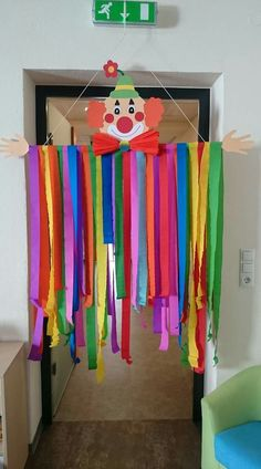 clown basteln kinder The Effective Pictures We Offer You About diy carnival ide… – Kostüm Karneval Kids Crafts, Clown Crafts, Circus Crafts, Carnival Crafts, Preschool Crafts, Diy And Crafts, Paper Crafts, Preschool Circus, Birthday Table