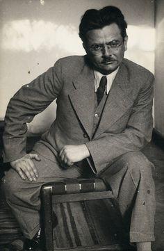 Elias Canetti -   German modernist novelist, playwright, memoirist and non-fiction writer.