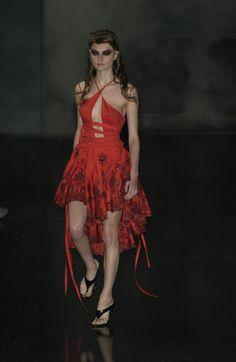Alexander McQueen at Paris Fashion Week Spring 2002 - Runway Photos