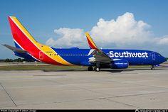 Southwest Airlines Boeing 737-8H4 N8681M at Tampa-International, April 2016. (Photo: Adam Juriga)