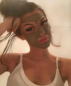 This Natural Tea Face Mask works as a Deep Cleansing Purifying Face Peel and Nose Mask to visibly minimize the appearance of pores, absorbs excess oil, and gently exfoliates for a bright, fresh-faced appearance. Diy Beauty Hacks, Beauty Tips, Green Tea Face, Face Peel, Spa Night, Too Faced, Nose Mask, Face Masks, Best Face Mask