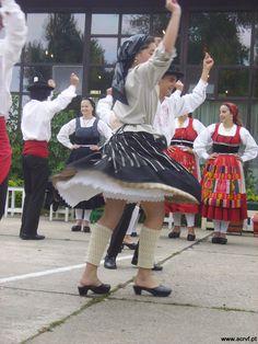 Portuguese folk dance - Traje do Campo