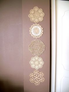 a few pretty things: How to make a wall hanging from doilies
