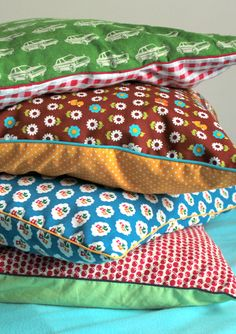 Nieuwe kussens voor de lente?  Paspelpoezen blog