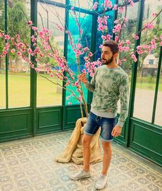 Flower power  #Rio #Petropolis #beard #travel #gaytravel #gaybrasil #gaybrazil #instagay #gay #gays #gaybeard #gayrio #gaysaopaulo #gaysalvador #gaybcn #gaydm #gayfollow #gaylife #gaylike #gaylove #gayfit #gayhot #gayboy #gayspain #gaystagram
