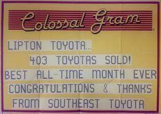 """""""Lipton Toyota… ¡403 Toyotas vendidos! Mejor mes de ventas de todos los tiempos Felicitaciones y Gracias De Toyota Sureste"""""""