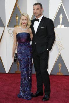 Naomie Watts telle une sirène  pour les Oscars 2016
