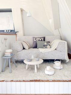 Compact wit - vtwonen Fotografie en styling Jeltje Janmaat #decoration #interior #white