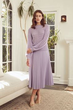 Pleated Skirt Outfit, Skirt Outfits, Long Pleated Skirts, Floral Skirts, Modest Outfits, Classy Outfits, Casual Outfits, Lavender Outfit, Modest Summer Fashion