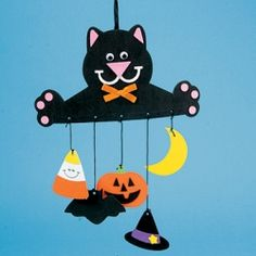 Easy and fun to make Halloween mobile