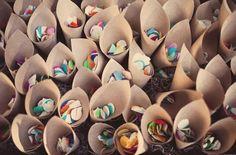 cones de confete pra animar a festa! via http://www.urbanscarlet.com/