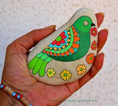 Bird #isassidelladriatico #paintedstones Stone Painting, Rock Painting, Rock Crafts, Stone Art, Rock Art, The Rock, Painted Rocks, Personalized Gifts, Craft Projects
