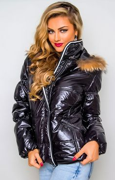 Puffer Jackets, Winter Jackets, Elegantes Outfit, Down Coat, Jackets For Women, Lady, Porn, Pants, Outfits