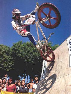 old school bmx Bmx Bicycle, Bmx Bikes, Cycling Bikes, Bmx 16, Bmx Racing, Bmx Freestyle, Skate Park, Vintage Bicycles, Mountain Biking