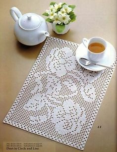 Start a home based interior design business - Crochet Filet Filet Crochet Charts, Crochet Doily Patterns, Thread Crochet, Crochet Designs, Crochet Table Runner, Crochet Tablecloth, Crochet Dollies, Fillet Crochet, Filets
