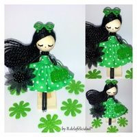 Broche de muñeca/Doll brooch