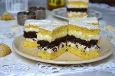 Prajitura cu ciocolata alba si bezea de cacao   MiremircMiremirc Romanian Desserts, Romanian Food, Cake Recipes, Dessert Recipes, Dream Cake, Cake Cookies, Biscuits, Bakery, Sweet Treats