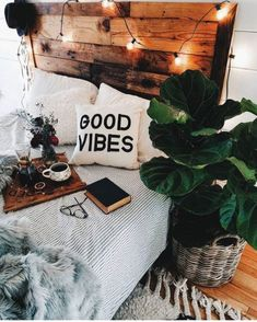 Boho Dekor Schlafzimmer Boho Schlafzimmer Ideen Bohemian Dekor Schlafzimmer Deko… - All For Decorations Bohemian Bedroom Decor, Boho Room, Home Decor Bedroom, Bedroom Modern, Dream Bedroom, Bedroom Furniture, Bedroom Inspo, Furniture Decor, Cozy Bedroom