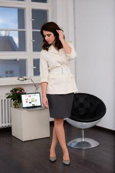 Welche Business Mode gehört in jeden Kleiderschrank? Baumwolljacke und grauer Bleistiftrock: Schnittmuster zum kostenlosen Download in #sisterMAG17. Outfit @evin