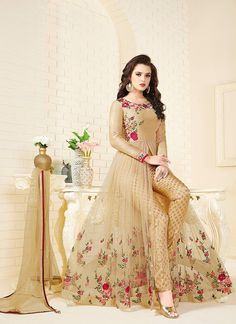 Having fabric net. The ethnic thread work, embroidery work, resham embroidery work and zari work for the attire adds a sign of magnificence statement with a look. Comes with matching bottom and dupatta. Party Wear Indian Dresses, Pakistani Fashion Party Wear, Indian Gowns Dresses, Indian Bridal Outfits, Indian Fashion Dresses, Dress Indian Style, Pakistani Dress Design, Indian Designer Outfits, Pakistani Bridal Dresses