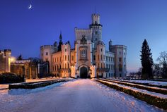one of most beatiful and famous chateu in Czech rep. (Southern Bohemia), it has impresive look and very rich decorated interiers - Castle of Winter Queen - Prague Czech Republic, Heart Of Europe, Beautiful Castles, Central Europe, World Best Photos, Winter Landscape, Photo Location, Macedonia, City Streets