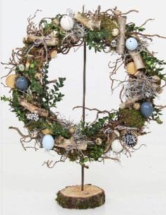 Easter Wreath / decoration branches .com