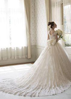 フランス製リバーレースのウェディングドレス