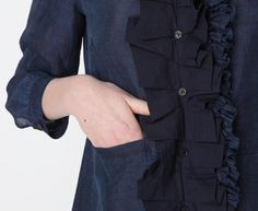 ruffle detail - could possibly extend a slightly too small shirt with a ruffley panel...