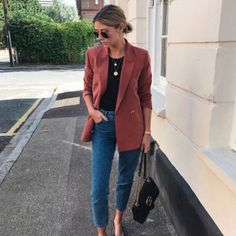 blazer and jeans outfit Classy Outfits, Casual Outfits, Mode Outfits, Fashion Outfits, Fashion Ideas, Look Blazer, Casual Blazer, Fall Outfits For Work, Professional Outfits