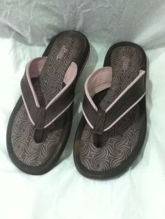 0f1e7123b27 Bass Grendene Womens Sandals Pink Brown Flip Flops size 8 Slip On Open Back
